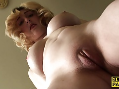 Dutiful uk submissive rubbing her clit on cue