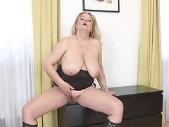 Mature great tits