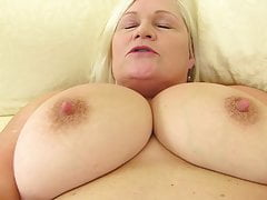 Booty busty mature mother Lacey Starr wants your dick